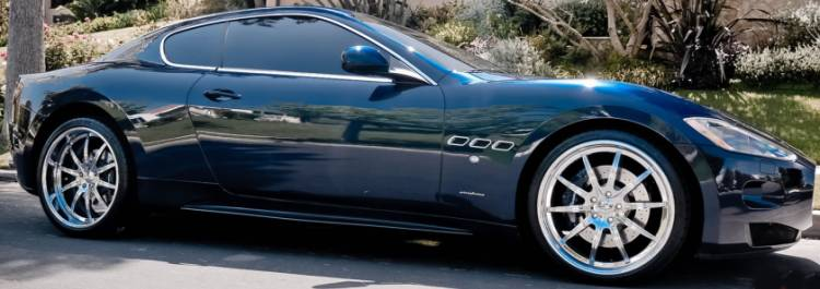 Maserati GranTurismo on 21 in. CEC 633C Chrome